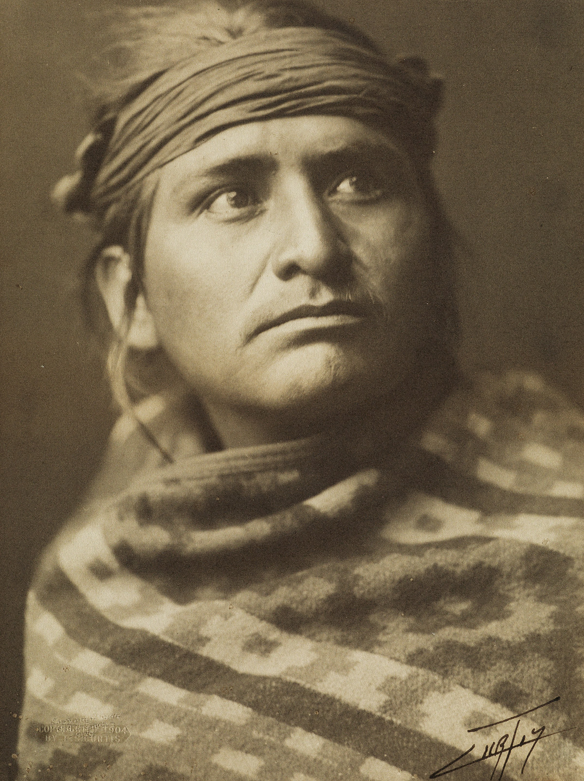 EDWARD-S-CURTIS-(1868-1952)-Chief-of-the-Desert