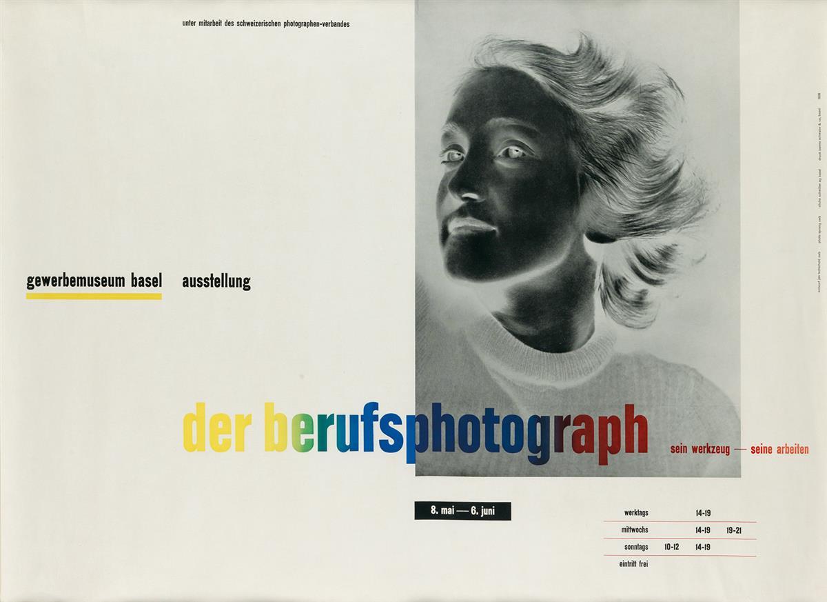 JAN TSCHICHOLD (1903-1974). DER BERUFSPHOTOGRAPH. 1938. 24x35 inches, 62x89 cm. Benno Schwabe & Co., Basel.