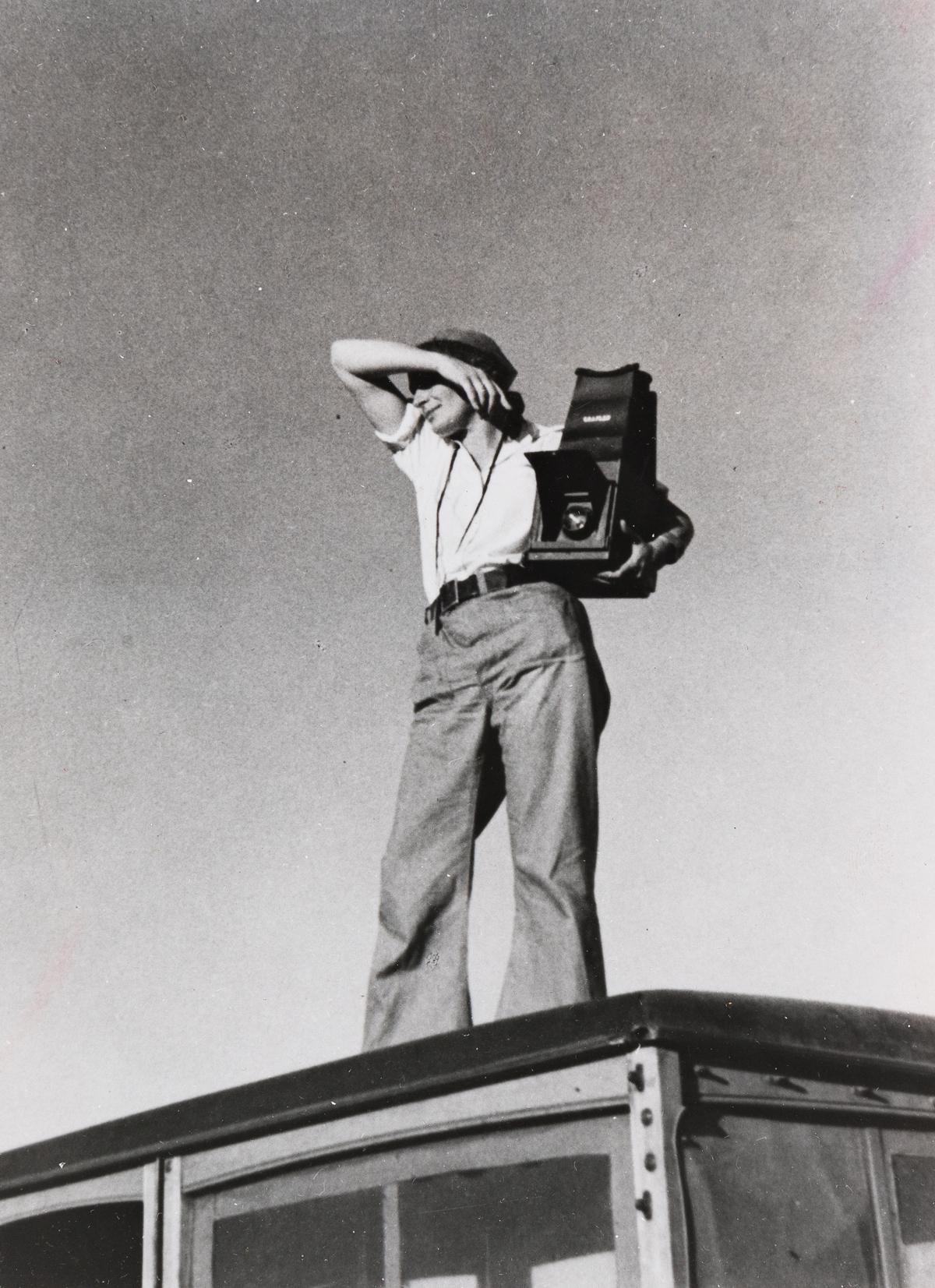 PAUL TAYLOR (1895-1984) Dorothea Lange in Texas.