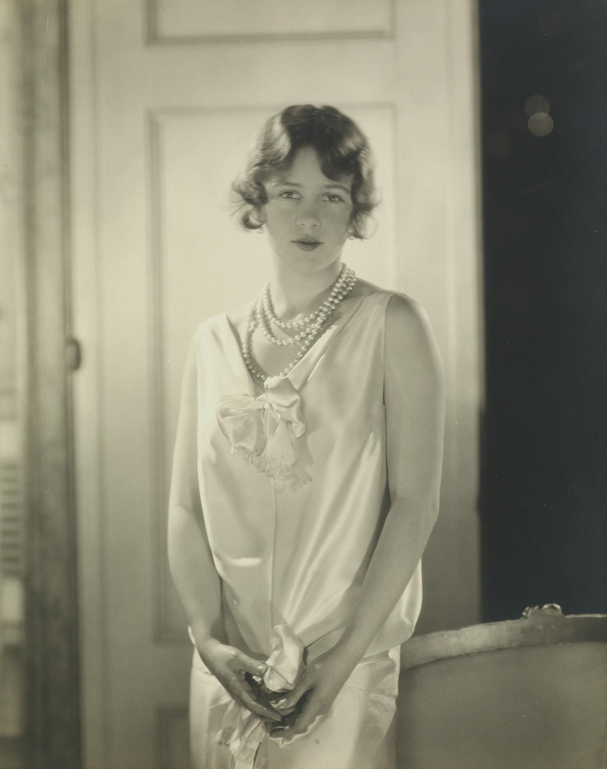 EDWARD-STEICHEN-(1879-1973)-Evelyn-Clark-(Vogue-magazine)