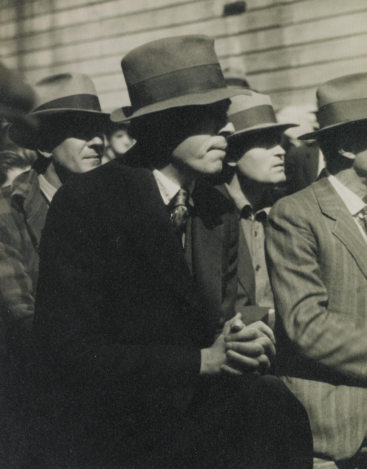 DOROTHEA-LANGE-(1895-1965)-San-Francisco-Waterfront-(demonst