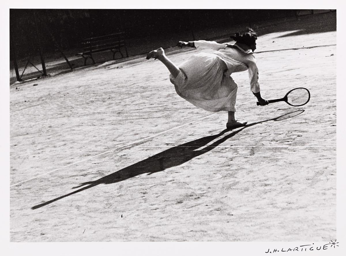 JACQUES-HENRI LARTIGUE (1894-1986) Suzanne Lenglen, training in Nice.