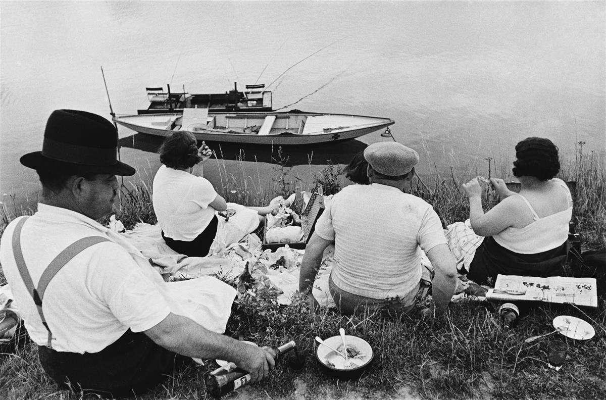 HENRI CARTIER-BRESSON (1908-2004) Sunday on the Banks of the Marne.