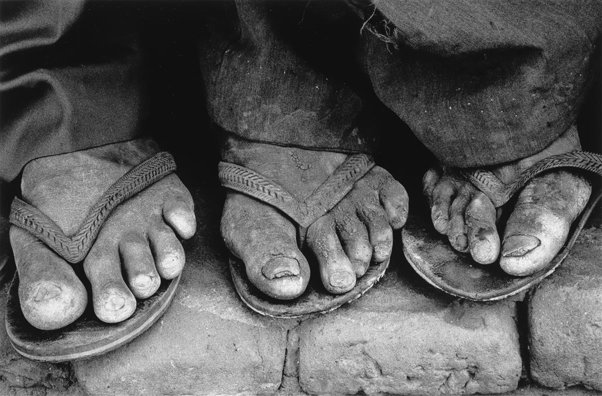 SEBASTIÃO-SALGADO-(1944--)-Feet-Brasil