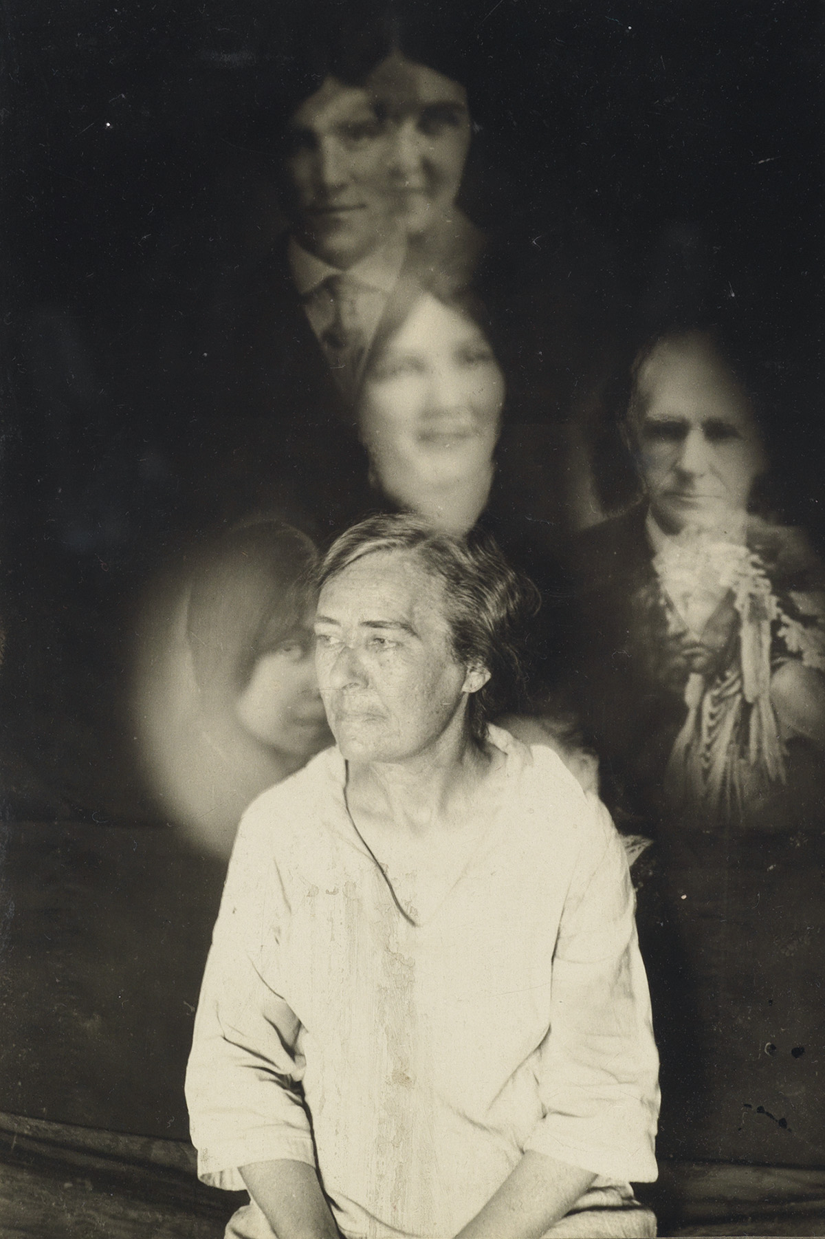 (SPIRIT-PHOTOGRAPHS)-A-collection-with-7-spookily-rendered-s