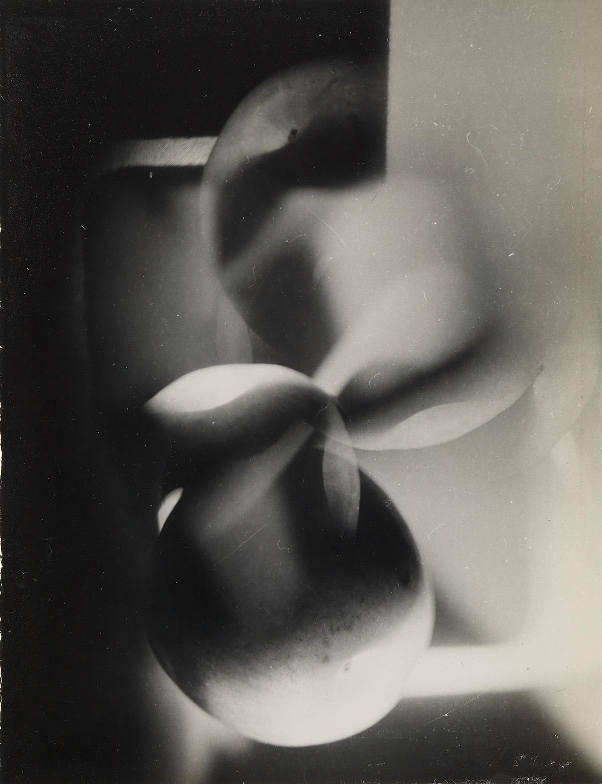 JAROSLAV-RÖSSLER-(1902-1990)-Apple-(abstract-composition)