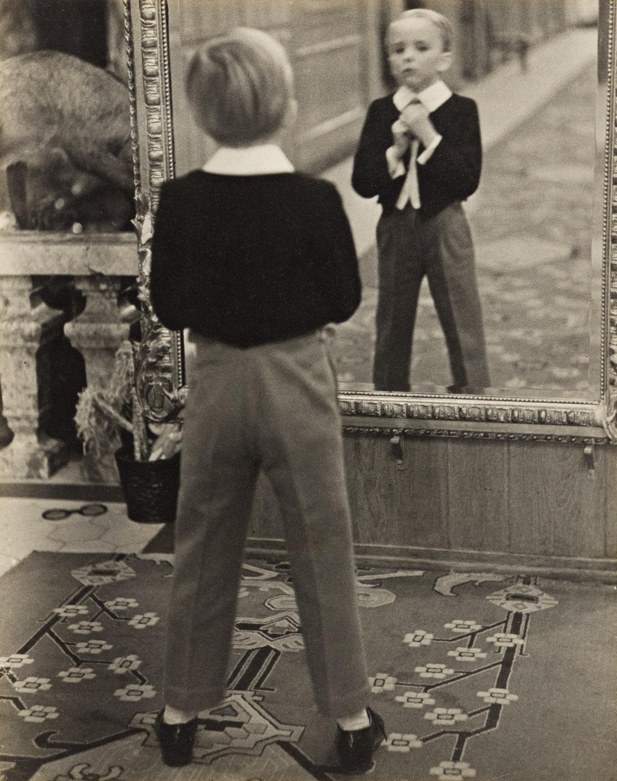 ALFRED EISENSTAEDT (1898-1995) Grand Hotel, Saint Moritz.