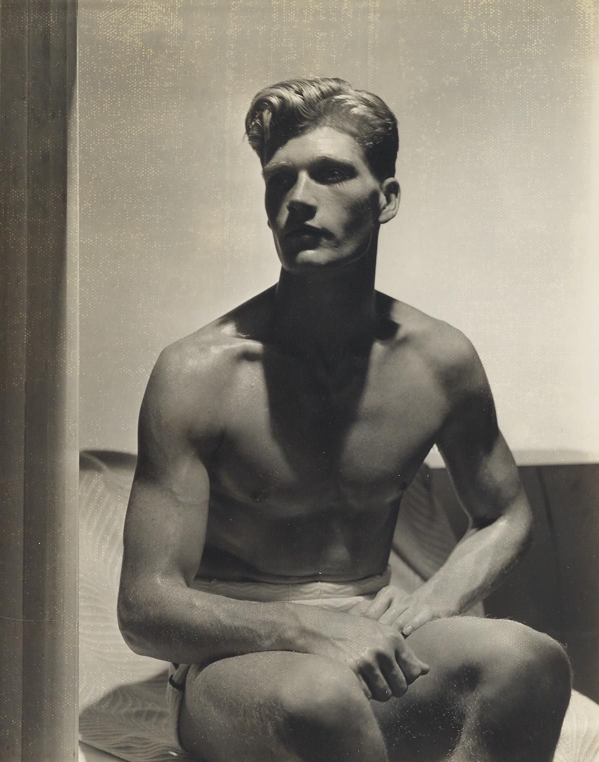 HORST-P-HORST-(1906-1999)-Handsome-male-model