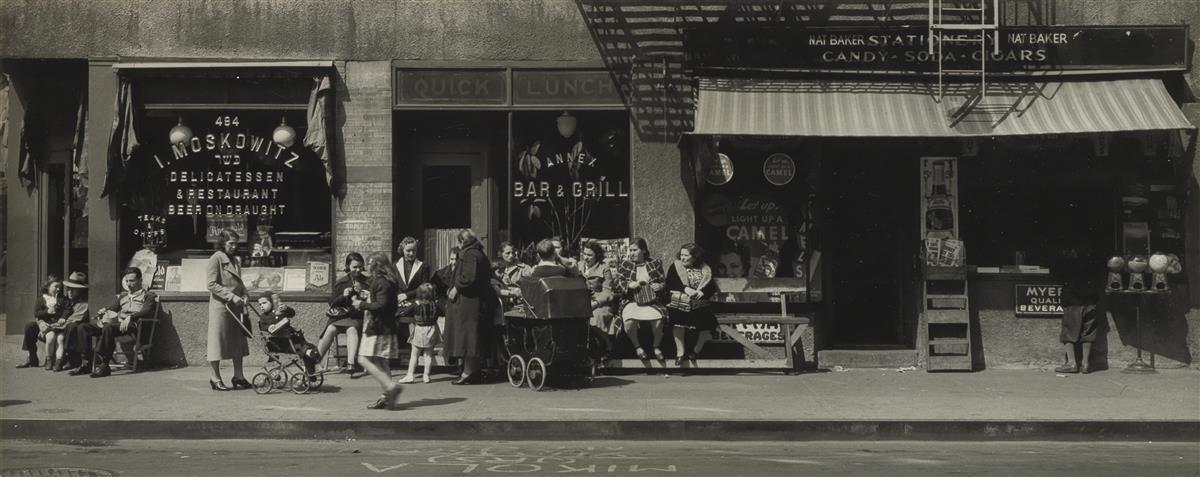 MAX-YAVNO-(1911-1985)-New-York-street-scene