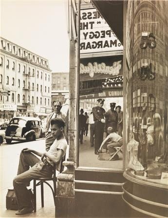 (NEW YORK CITY) A group of 17 photographs of the Big Apple, including images by Louis Stettner, Morris Engel, Louis Faurer, Russell Lee