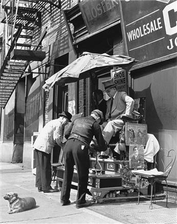 ANDREAS-FEININGER-(1906-1999)-Pedestrians-on-Fifth-Avenue-Ne