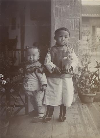(CHINA)-A-missionary-album-from-China-apparently-related-to-