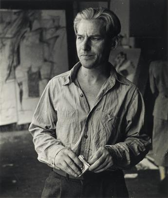 RUDY-BURCKHARDT-(1914-1999)-Willem-De-Kooning-with-a-pack-of