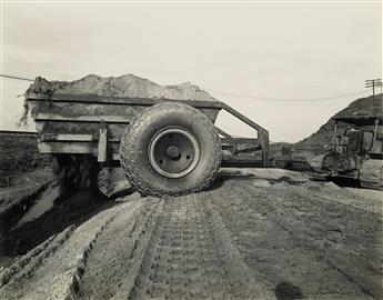 (INDUSTRY--EARTHMOVING-EQUIPMENT)-A-selection-of-70-photogra