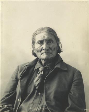 FRANK A. RINEHART (1861-1928) Geronimo (Guiyatle), Apache.
