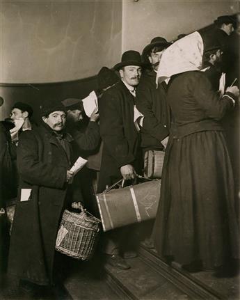 (LEWIS W. HINE) (1874-1940) Ellis Island, New York.