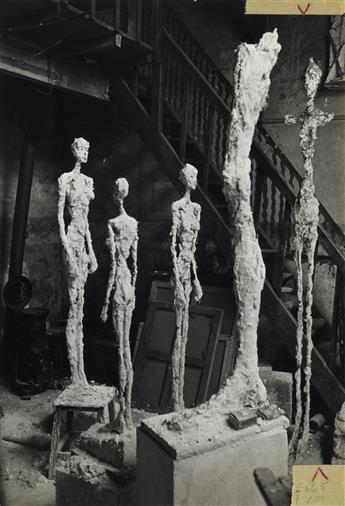 INGE MORATH (1923-2002) Sculptures in Alberto Giacomettis Paris studio.
