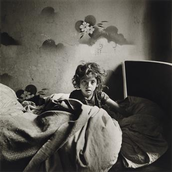 ROMAN VISHNIAC (1897-1990) The Vanished World. A Portfolio with 12 (of 12) Photographs.