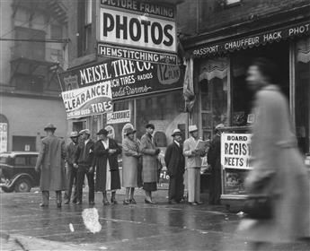 JAMES VAN DER ZEE (1886-1983) Queue in Harlem.