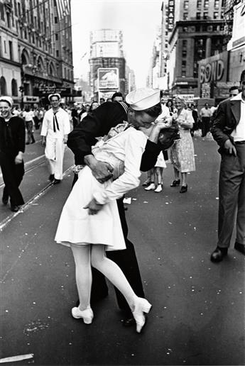 EISENSTAEDT, ALFRED (1898-1995) V-J Day Kiss, Times Square, New York City.