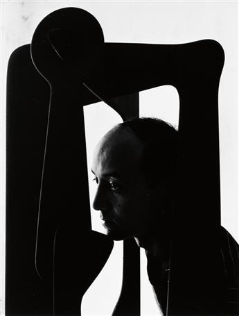 NEWMAN, ARNOLD (1918-2006) Isamu Noguchi.
